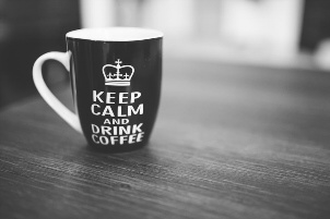 Kaffetasse mit Aufschrift: Keep calm and drink coffee
